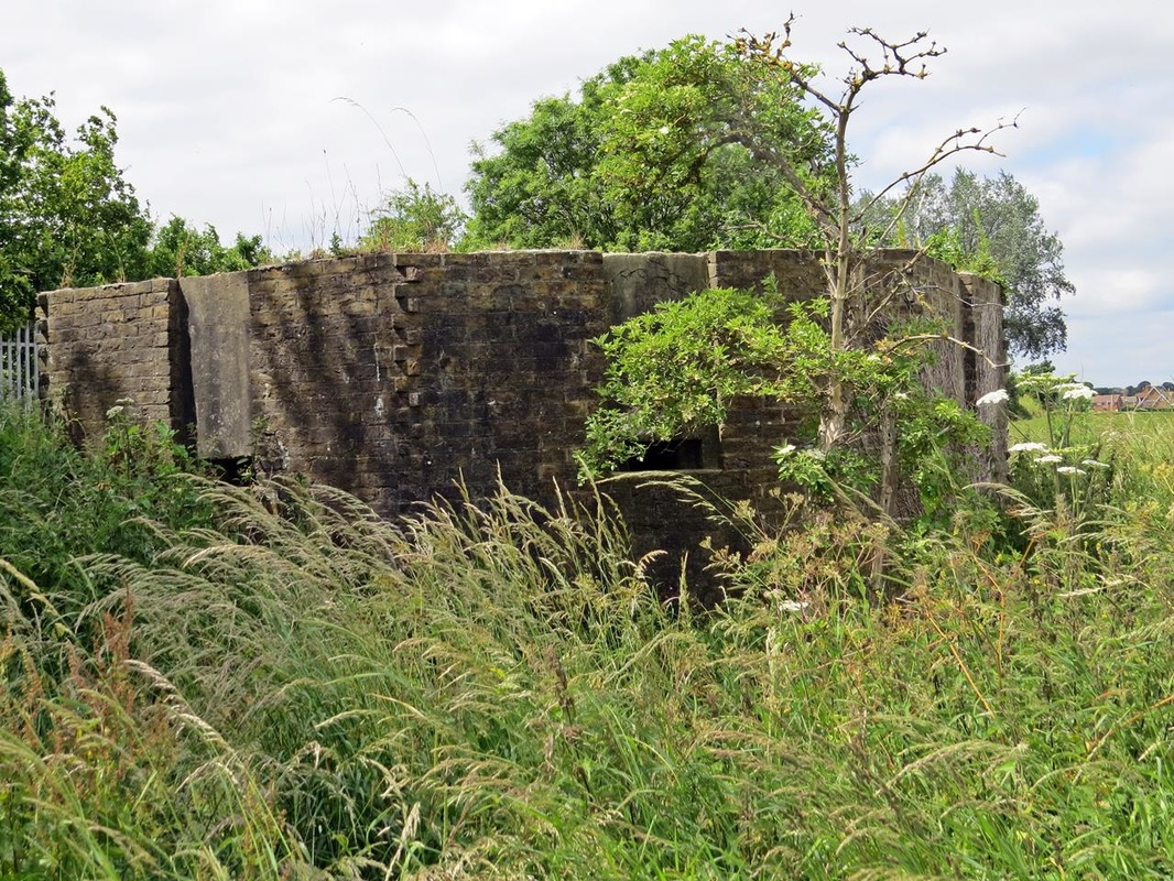 Picture of disused pillbox near Hoo