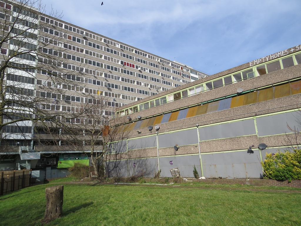 Picture of the  abandoned part of  Aylesbury Estate in SE London making it one of the largest public housing estates in Europe