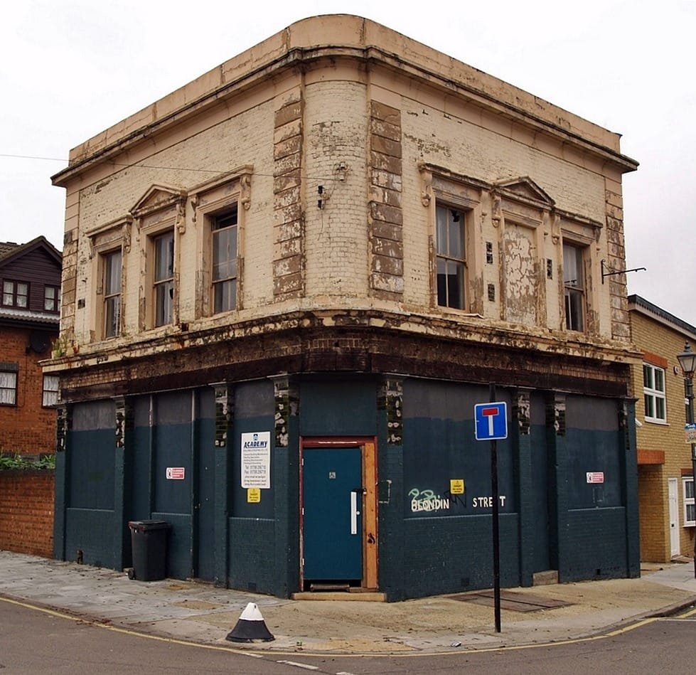 The Caledonian Arms pub in Fairfield Road Bow shut down & is now luxury flats