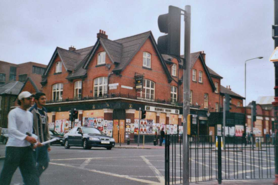 Burnell Arms pub on High Street North, East Ham.  Sri Mahalakshmi Hindhu Temple now on site