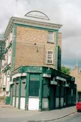 Duke Of Devonshire in Darnley Rd, Hackney closed down derelict pub
