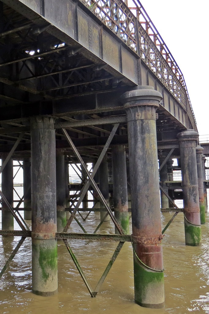 Gravesend West, railway station. pier, derelict, London, Chatham and Dover Railway (LCDR), boat trains, steamer, demolished,Southend, Clacton, Walton, Harwich, closed,Yarmouth,rotterdam, Belle.