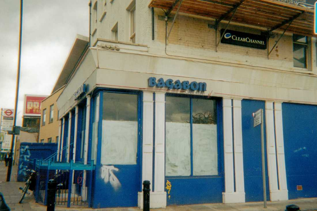 Old King's Head on the Upper Clapton Road closed in 2000 became a Thai restaurant called Bagabon