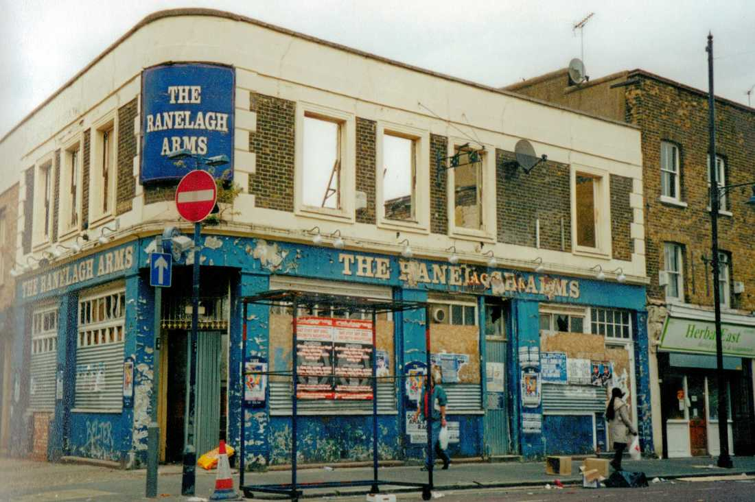 The Ranelagh Arms on Roman Road closed & now been converted into a grocers & off licence called the Inci Food Centre.