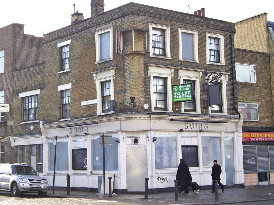 Kings Arms on Mile End Road changed its name to Soma & is now  Efes Turkish Restaurant