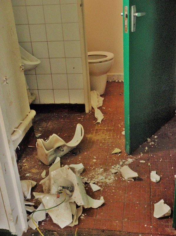 smashed up toilet facilities in Edgware