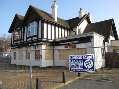 Crown & Sceptre in Feltham