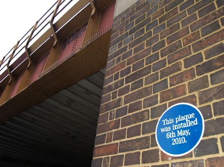 Camberwell Station Rd: This plaque was installed 6th May 2010