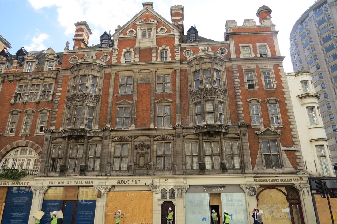 Picture of closed down Knightsbridge shops between Wilton Place and William St, SW1