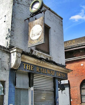 The derelict Railway Arms in Sutton St, Shadwell now demolished and replaced by flats