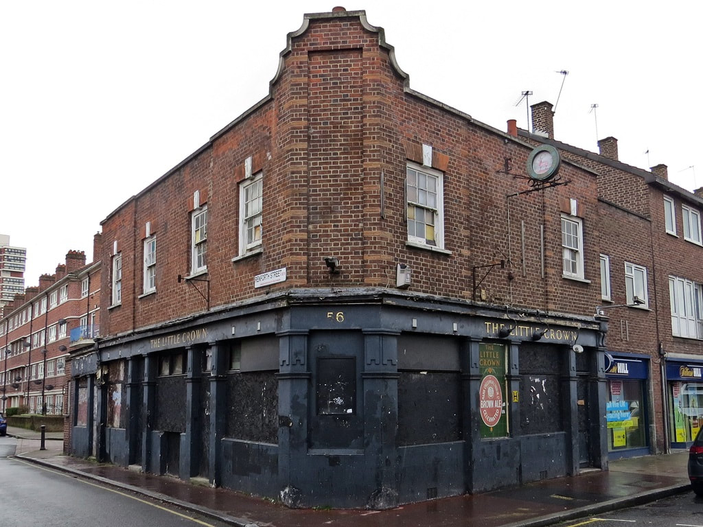 Derelict pub The Little Crown, Albion Street, Rotherhithe SE16