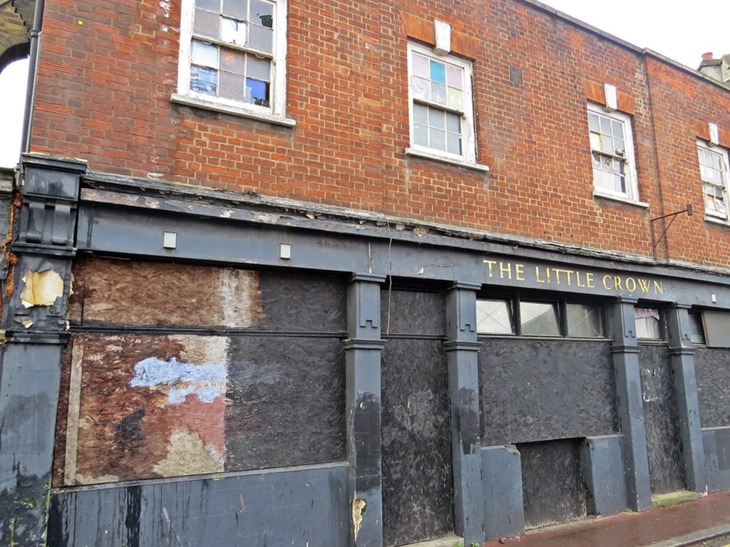 Another derelict public house. The Little Crown - Albion Street, Rotherhithe SE16