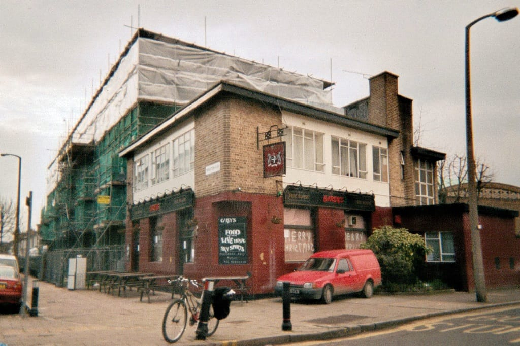 pic of the defunct Paget Arms (aka Careys 3)  on Middleton Road.