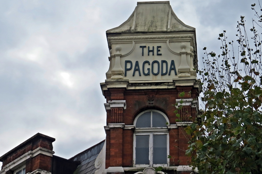 The Pagoda dead pub in Tower Bridge Road. Also known as Hartleys and The O-Bar