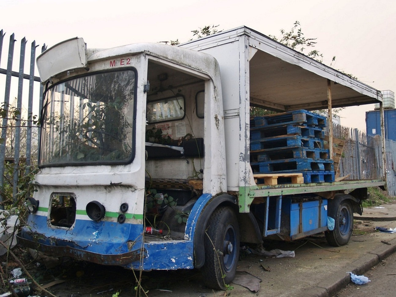 Abandoned milkfloat in Bromley By Bow
