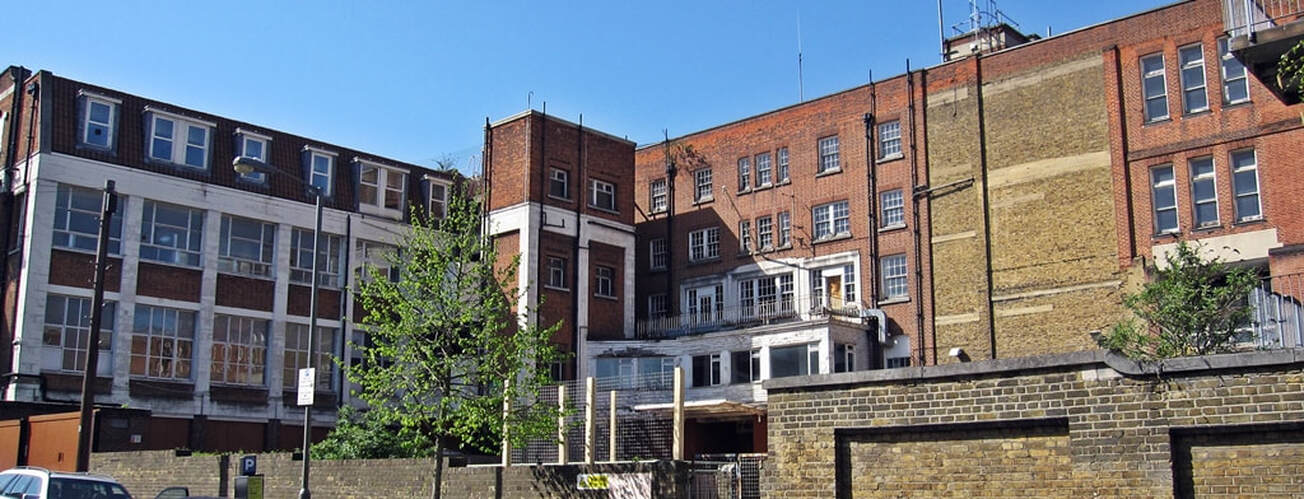 Picture of derelict Bolingbroke Hospital, Wandsworth Common . It has been converted into a school