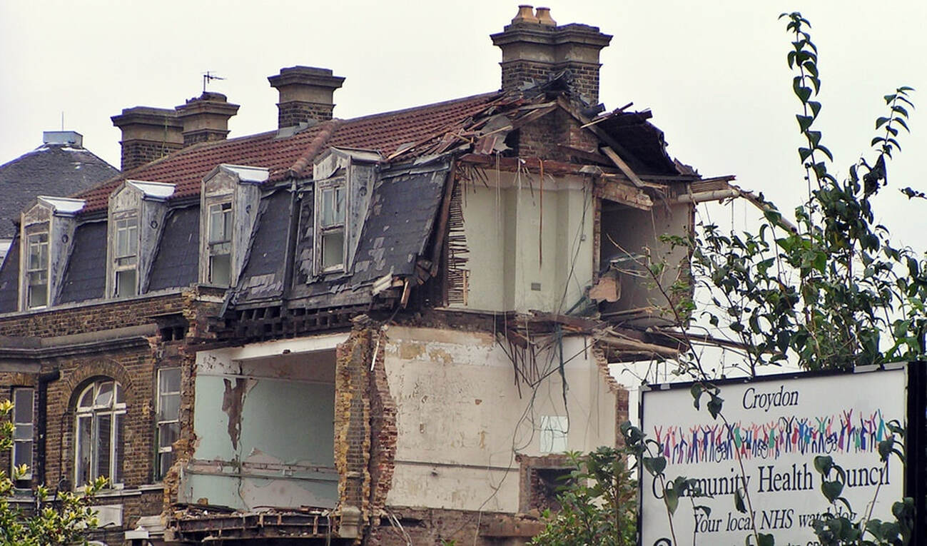 Picture of demolition of the derelict Croydon General Hospital on London Road