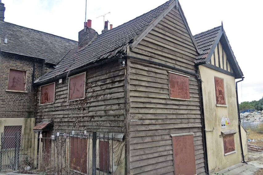 Abandoned building on the Derelict London Dirty Dartford walking tour with Paul Talling