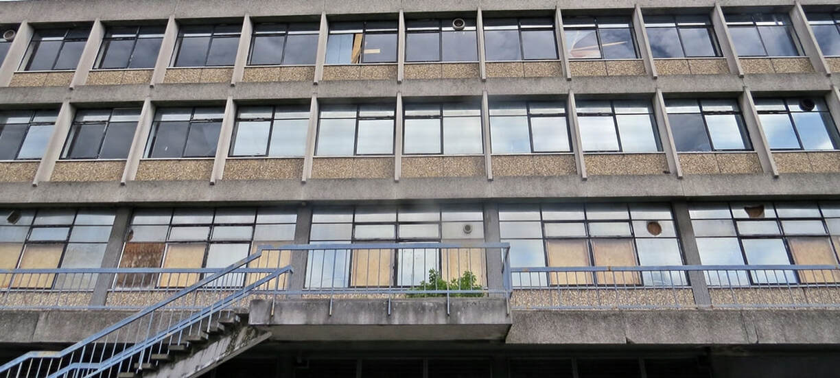 Picture of empty brutalist Zodiac House in Croydon which has been abandoned and derelict for years