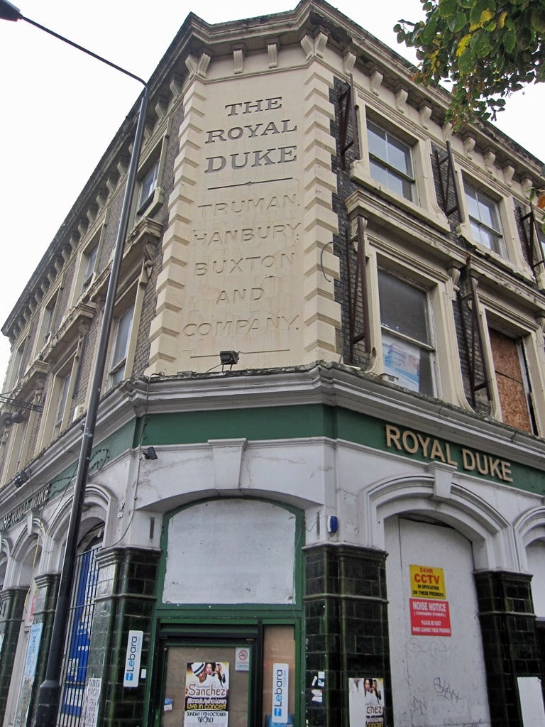 The Royal Duke pub on the Commercial Road is now derelict after a brief spell as an off licence. As seen on Paul Talling's Derelcit London walking tour of lost pubs of Shadwell and Stepney