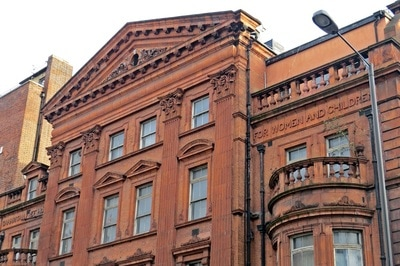 The red brick and terracotta Samaritan Hospital was a dedicated gynaecological hospital on the Marylebone Rd