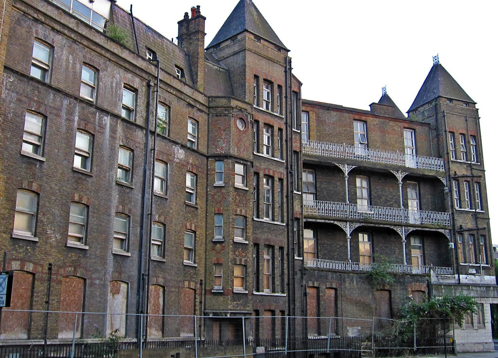 Picture of derelict London National Temperance Hospital in Euston NW1
