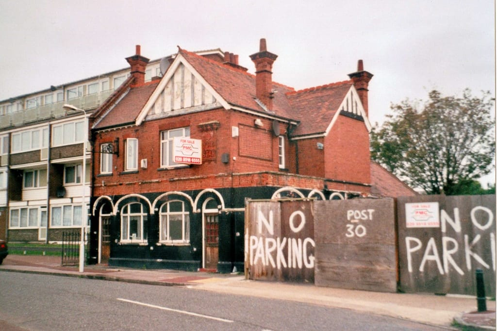derelict Manor Park pub The Star now demolished